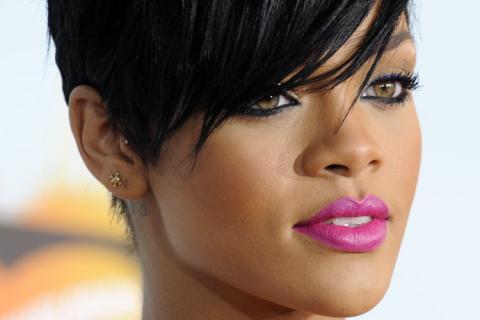 Rihanna_closeGBS_cw_580039g